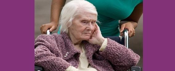 maltraitance personnes âgées
